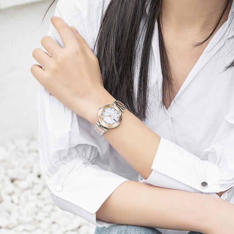 女人戴机械表还是石英表?