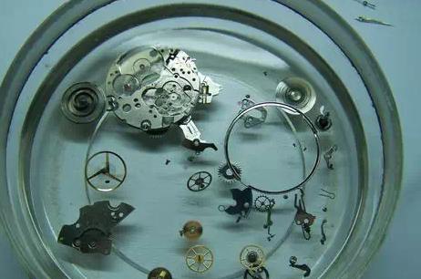 机械表被摔后最容易发生的故障