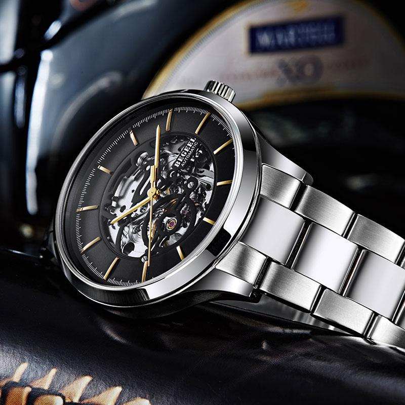 在手经常碰水的地方工作带手表好吗?对手表有影响吗?